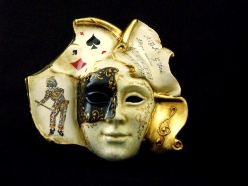 Book Mask Harlequin